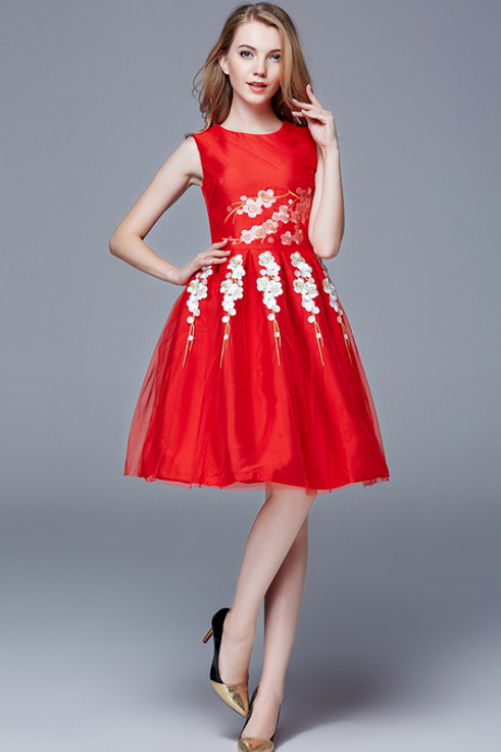 Gauze embroidery round collar sleeveless full-skirted dress HL